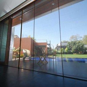 squalonet apertura centrale grande finestra